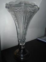 Kristály váza ezüst talppal dianás