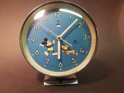 Vicces Disney óra bólogató fejű plútóval
