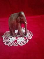 Fából elefánt