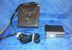 Retro fényképezőgép vaku bőr táskájával (j-3)