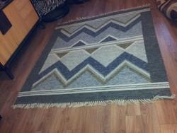 Szép gyapjúszőnyeg, békésszentandrási 160x175 cm.