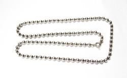 Golyós ezüst nyaklánc.
