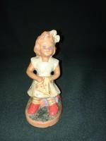 Régi kerámia kislány figura
