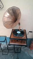 Tölcséres gramofon