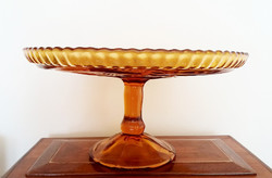 Régi borostyánszínű talpas üveg tortatál desszert kínáló tál