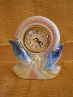 Porcelán asztali óra delfinekkel
