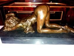 Monumentális bronz szobor - Erotikus fekvő akt