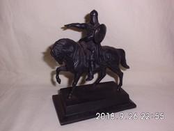 Jurij Dolgorukij (1090  - 1157) Moszkva alapítójának öntöttvas lovas szobra Kasli 1954
