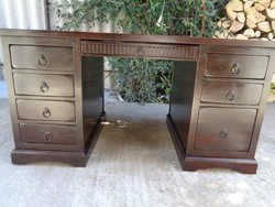Koloniál stílusú íróasztal tömör fából