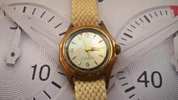 Működő régi mechanikus női óra, gyönyörű szerkezettel