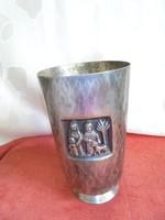Jelzett Tevan Margit váza