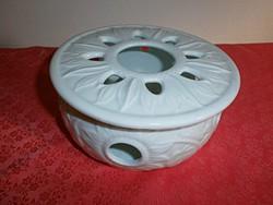 Gyönyörű fehér porcelán mécsestartó