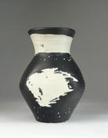 0R413 Régi hibátlan Gorka Lívia kerámia váza 15 cm