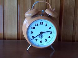 Ébresztő óra, csörgő óra, két harangra üt, mechanikus szerkezet