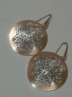 Ezüst   fülbevaló  , galvanizálással készült arany bevonattal..
