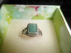 Ezüst gyűrű / smaragd