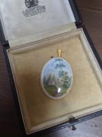 Régi porcelánbetétes aranyozott medál