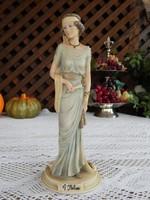 Capodimonte  Lady By Belcari  késszel festett szépséges legyezős női nipp , figura , szobor