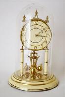 Kandalló óra  aranyozott díszekkel