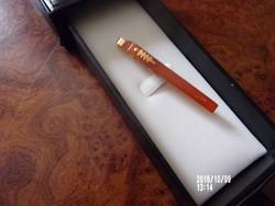Aranyozott orosz borostyán nyakkendőtű + medál