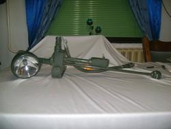 Retro katonai lámpa, fényszóró