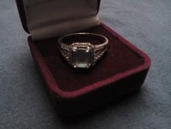 Csodálatos ezüst gyűrű kék cirkóniával
