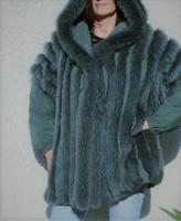 Zöld ezüstróka fregoli bunda kapucnis gyönyörű szörme,és elegáns fazon koplett méret 44-es