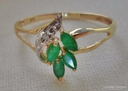 Tömör arany gyűrű 4 márki csiszolású smaragd és 2 brill csiszolású gyémánt kővel