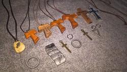 Medál nyaklánc kereszt egyházi ékszer több fajta 100ft/db férfi női unisex