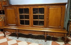 Barokk vitrines szekrény