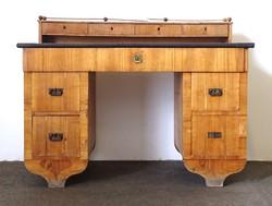 0T456 Antik térbe helyezhető Biedermeier íróasztal