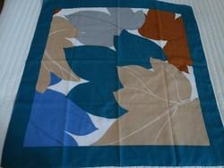 Vintage levélmintás kendő türkiz, kék és drapp színekkel, 77 x 77 cm