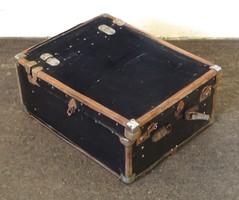 0T481 Antik nagyméretű Csángó Mokány bőrönd