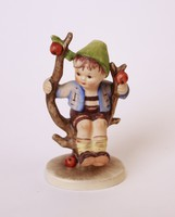 Almafán ülő fiú (Apple tree boy) - 10 cm-es Hummel figura