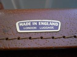 Koffer / bőrönd /