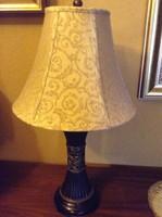 Gyönyörű , nagyméretű asztali lámpa , lámpa