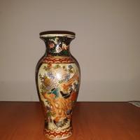 Festett kínai porcelánváza
