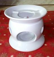 Minimalista stílusú,hófehér, porcelán melegen tartó, illatmécses tartó