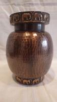 Zsűrizett fémműves iparművész váza