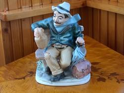 Hibátlan bisquit porcelán szobor, demizsonos őregúr