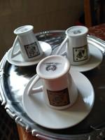 Porcelán kávéscsészék, alátét-tányérral