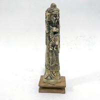 Régi, keleti pásztort ábrázoló faragott csont szobor fatalpon, hibátlan állapotban.
