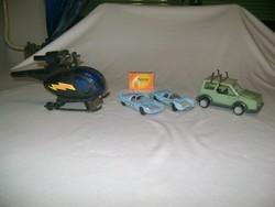 Retro játék autók és helikopter