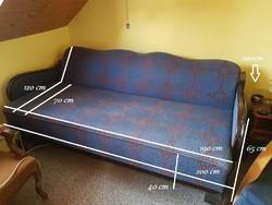 Kinyitható, masszív antik kanapé fa keretben, hibátlan kárpitozással, ágyneműtartóval