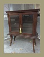 Kecses  vitrines komód,szekrényke, 90cm magas