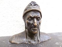 Dante Bronz Szobor