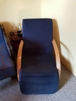 Párnás relax fotel lábtartóval