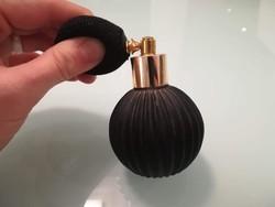 Parfümös pumpált fekete üveg