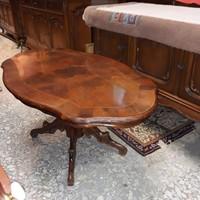 Barok poklábú intarziás dohányzóasztal