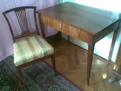 Klasszicista íróasztal és szék